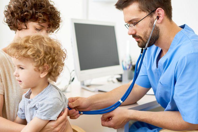 little-kid-visiting-doctor-6A43DSK